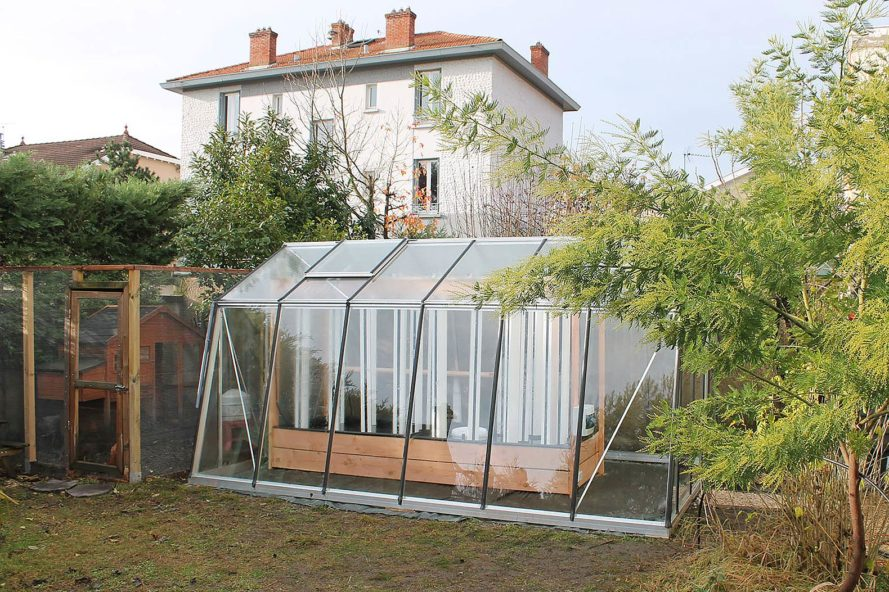 Myfood-Greenhouses-Family-889x592