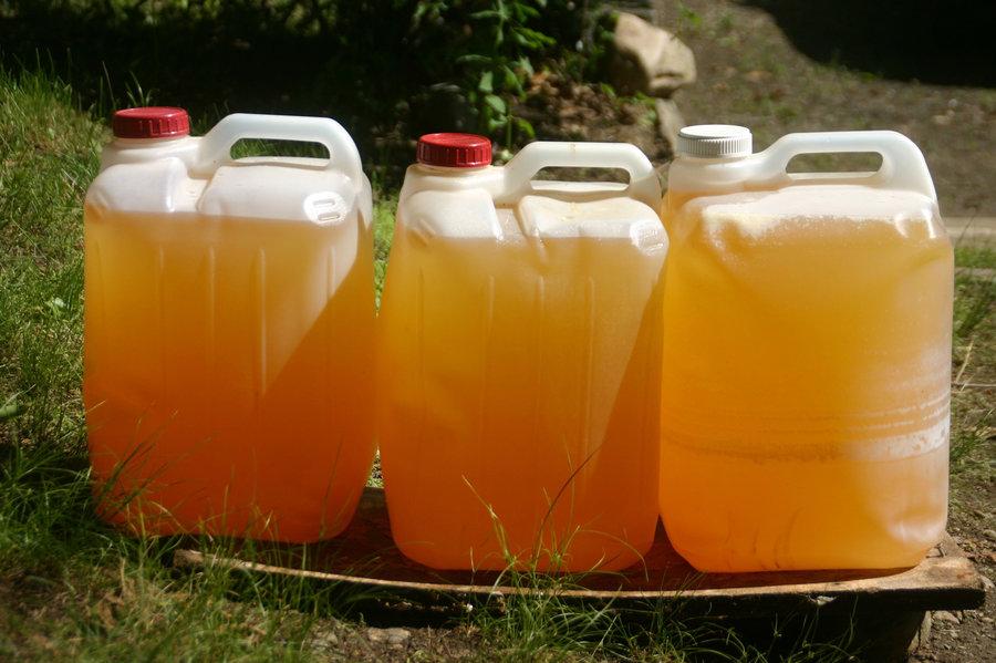 urine-fertilizer-2_slide-2a34f0a6af64f991d9d0c656d73fd969c8b3a655-s900-c85